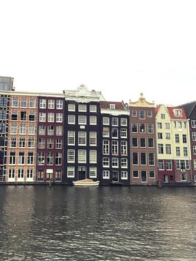 Port_Amsterdam_Canal_12.jpeg