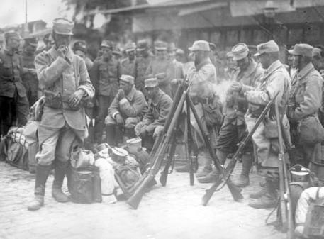 Η απόβαση των Συμμάχων στη Θεσσαλονίκη & η ανακάλυψη των απολιθ/φόρων θέσεων της κοιλάδας του Αξιού