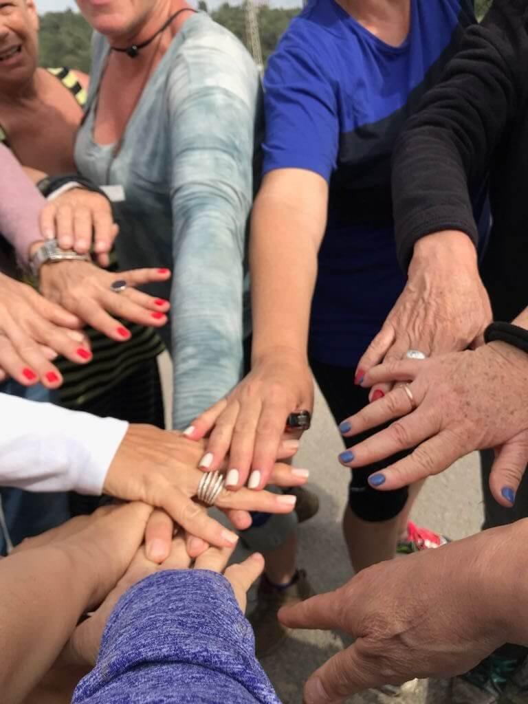 מאירות שביל ישראל במעגל ידיים טכס סיום טיול מוצלח ומהנה