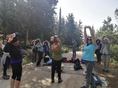 מאירות שביל ישראל נשים מטיילות יחד מסלול 18 באלון הגליל