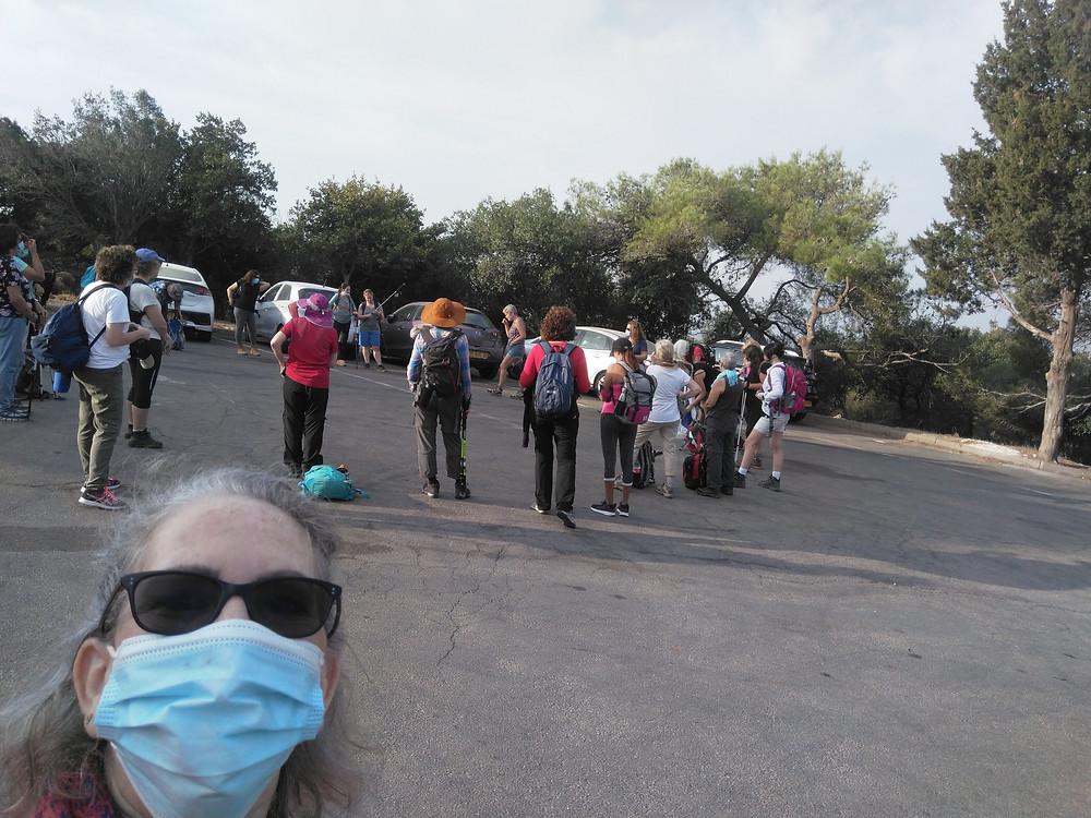 מאירות שביל ישראל נשים מטיילות יחד מסלול 41