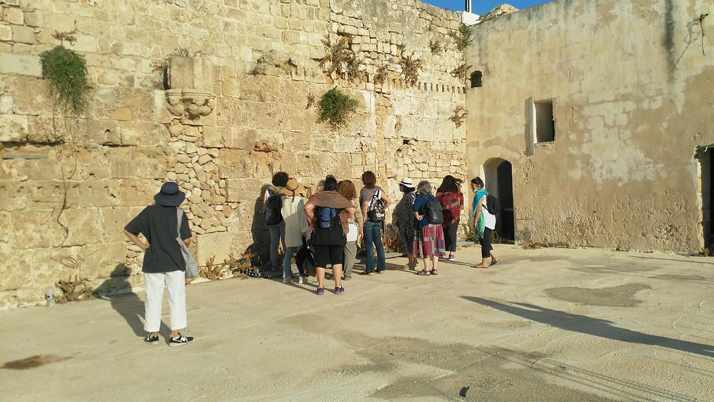 מאירות שביל ישראל במרכז הסופים בעכו העתיקה