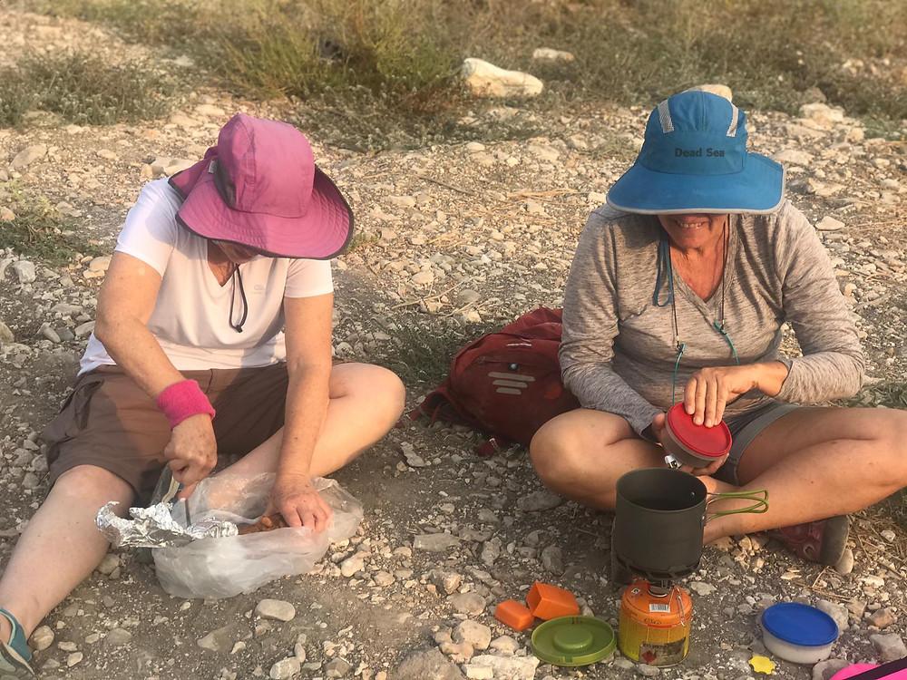מאירות שביל ישראל בנחל תנינים