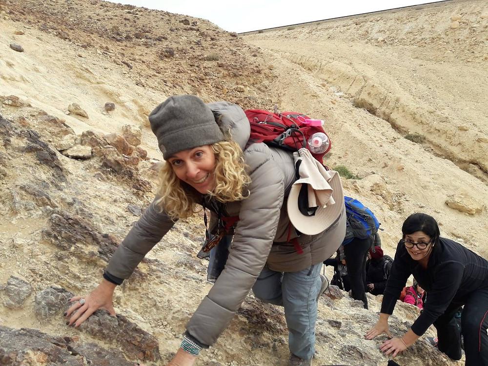 מאירות שביל ישראל מטפסות לסנפיר הגדול