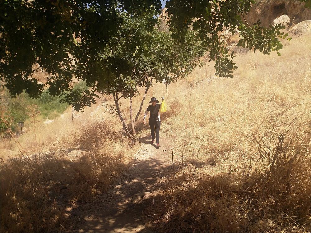 מאירות שביל ישראל נשים מטיילות יחד מסלול 29 ואדי קלט נחל פרת