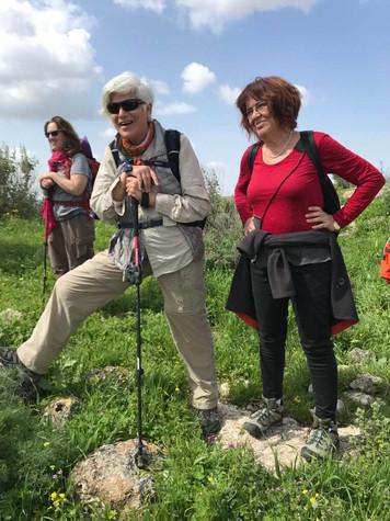 מאירות שביל ישראל נשים מטיילות יחד מסלול 16