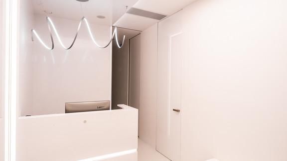 Svetelne Stropy zubna ambulancia s REC CUSTOM zapustene a grid LED sustavou-32.jpg