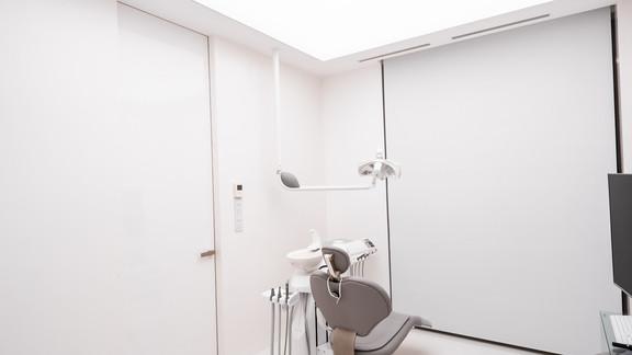Svetelne Stropy zubna ambulancia s REC CUSTOM zapustene a grid LED sustavou-44.jpg