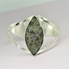 Silver bangle with druzy commission