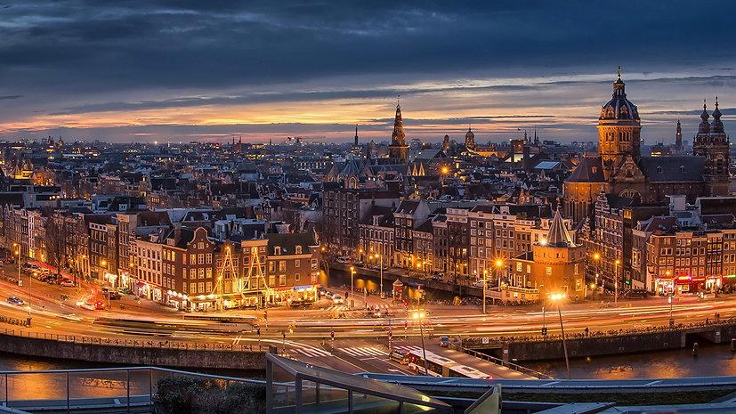 Beautiful_Night_Lighting_of_Netherlands_