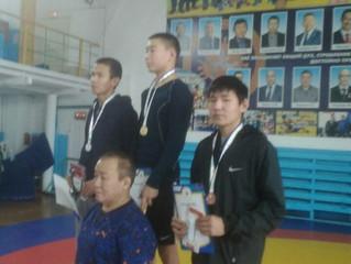 Иванов Толлуман - призер Чемпионата Якутска по борьбе хапсагай.