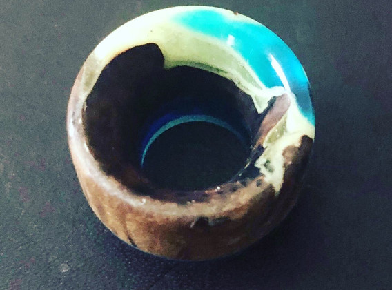 Stab wood, blue resin and glow in the dark green