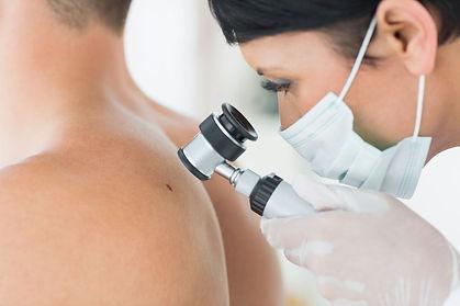 dermatologista-clinica-unire-site.jpg
