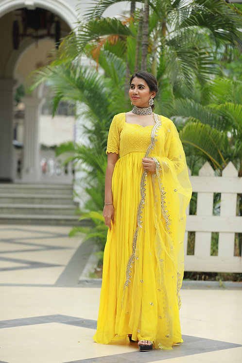 Yellow embroidered long pleated outfit