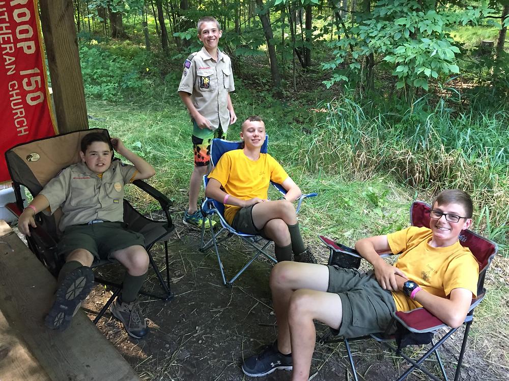 Benjamin, Finn, Reed and Brent enjoying breaktime