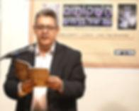 יאיר בן־חיים באירוע הַשָּׁקוֹתַיִם – לכבוד ספרי השירה 'דורשירה' ו'להשתגע באמצע היום'