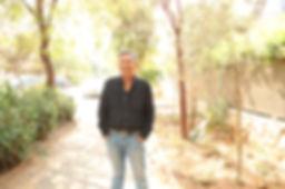 אורציון ברתנא - דבר אל השיר - אתר חדרים - צילום-יאיר בן־חיים