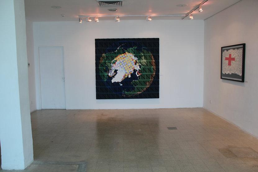 יצירה מתוך התערוכה של האמן בני אפרת - אתר חדרים