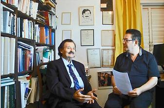 יאיר בן־חיים מראיין את הסופר שמאי גולן בתוכנית: אורח בחדרים