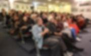 קהל המוזמנים והמשתתפים בערב השקת כתב-העת המסדרון | אתר חדרים