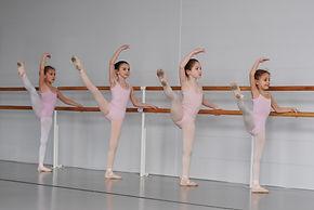 ballet-3301195.jpg