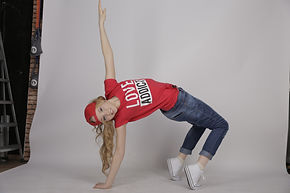 dancing-882940.jpg