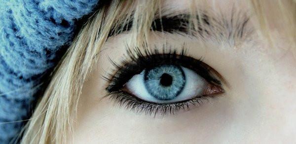 Agata's eye by lifexgoesxon.jpg
