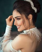 smiling-woman-3094065.jpg