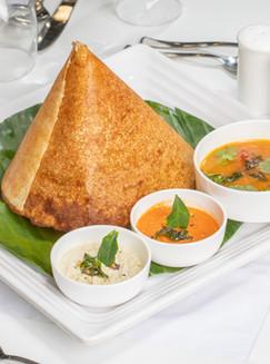 indian-street-food-masala-dosa-dhosa-masala-plain-maisuri-butter-roast-with-chutney-sambar