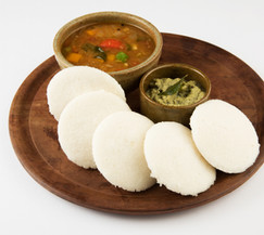 south-indian-breakfast-recipe-idly-idli-rice-cake-served-with-coconut-chutney-sambar-selec