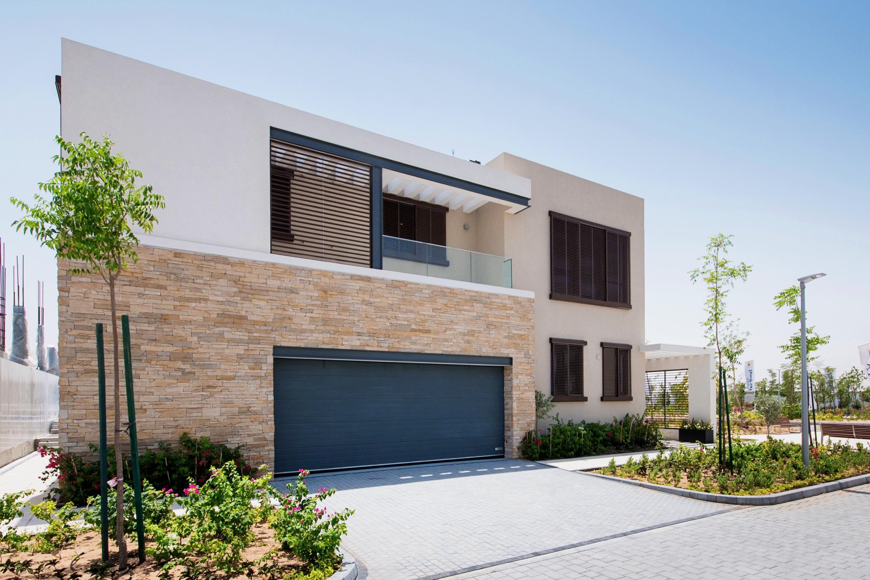 4 bedroom villa exterior (2)