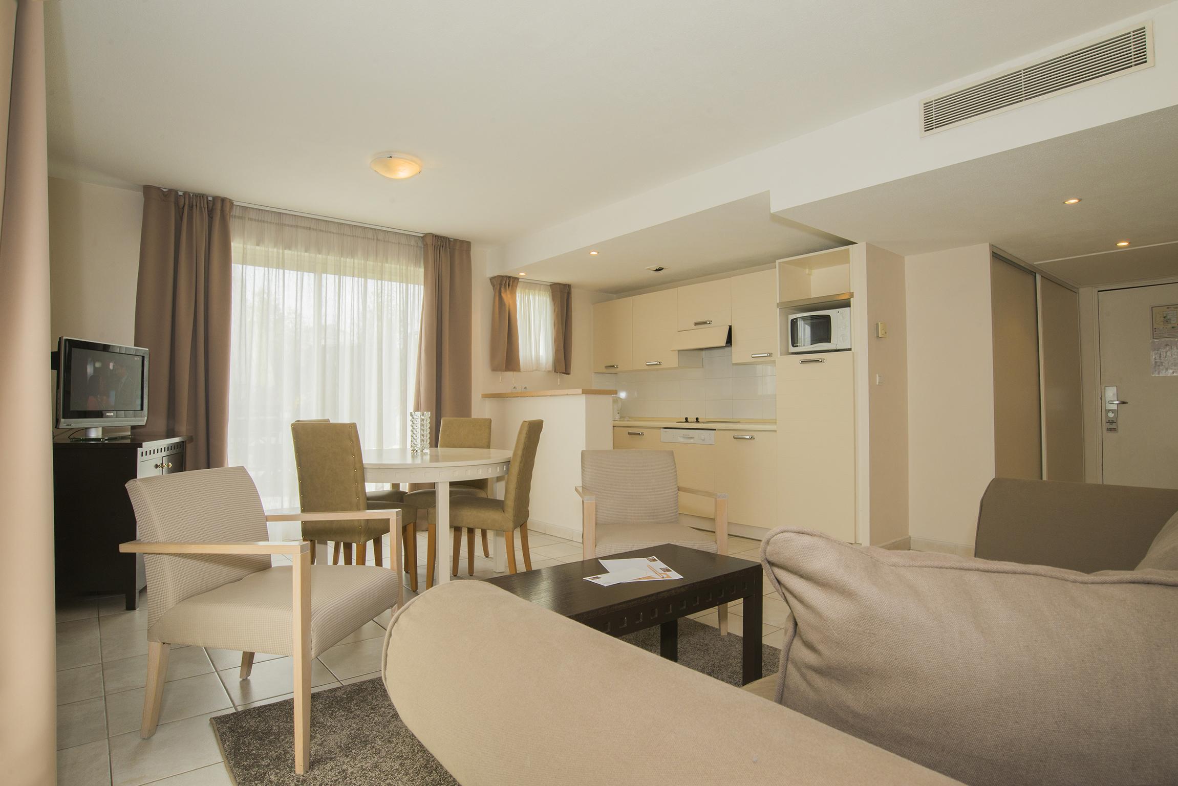 excel suites hotel DSC_3160 ok web