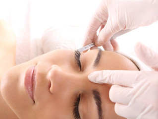 Getting that Holiday Glow with Dermaplaning!