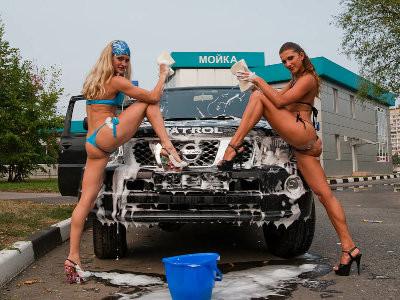 こんな人に洗車してもらいたいよねww