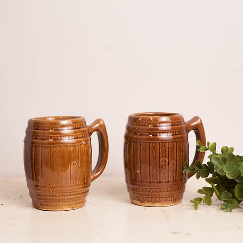 Pr of Mugs