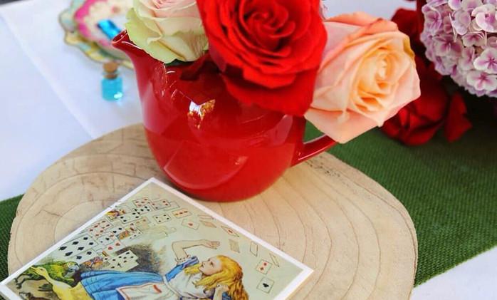 Kitchen Tea - Alice in Wonderland