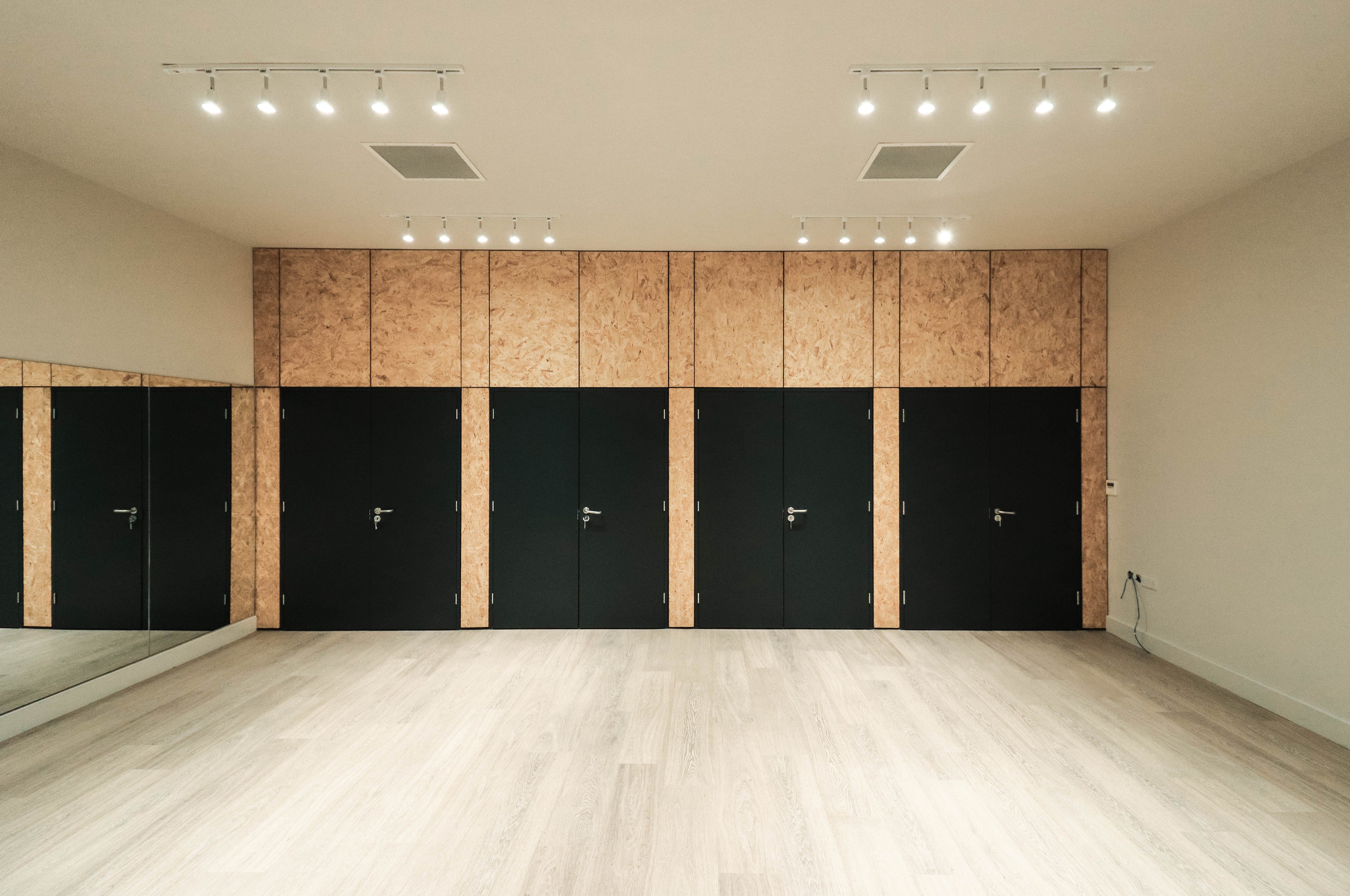 Room Booking - Studio