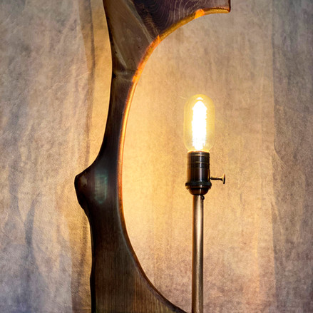 LIVE EDGE LAMP