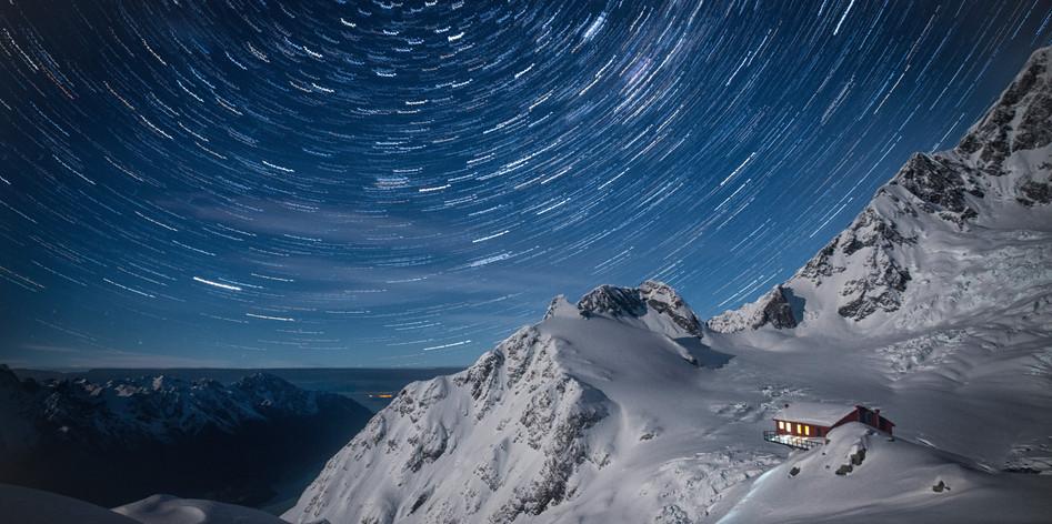Plateau Hut Star Trails