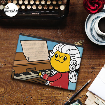 Bearded Dragon Illustration with Wolfgang Amadeus Mozart Cosplay Zipper Pouch