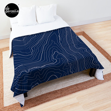 Psychology things - Maslow's HIERARCHY of NEEDS - Dark Blue Comforter
