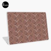 Minimal circle pattern in mocha laptop s
