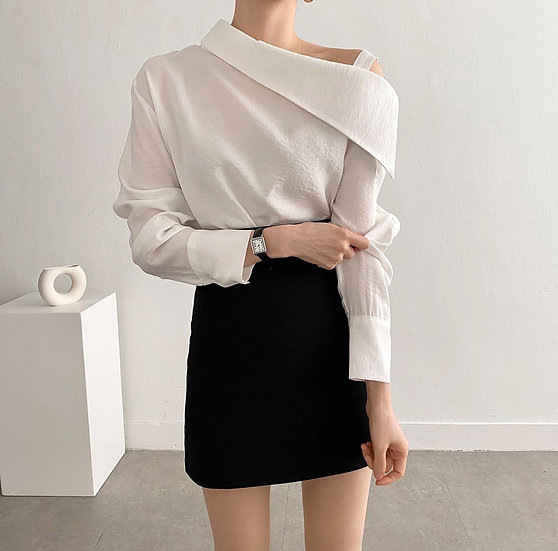 Off blouse
