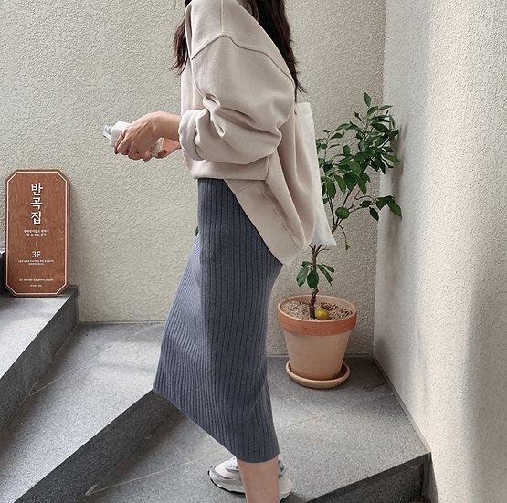 Slim knit skirt