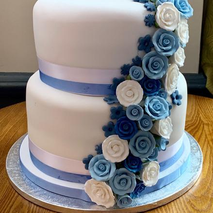 Blue flowers wedding cake.jpg