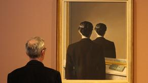 """""""Specchio specchio delle mie brame, chi sono al di fuori di questo reame?"""""""