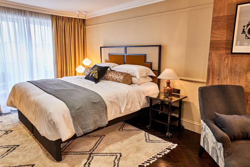 lostpoet-suite-bedroom