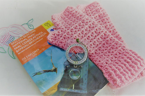 Hiking Mitts - Pink. Gifts for outdoors from Adventure Accessories