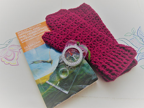 Hiking Mitts - Plum. Gifts for Outdoors from Adventure Accessories