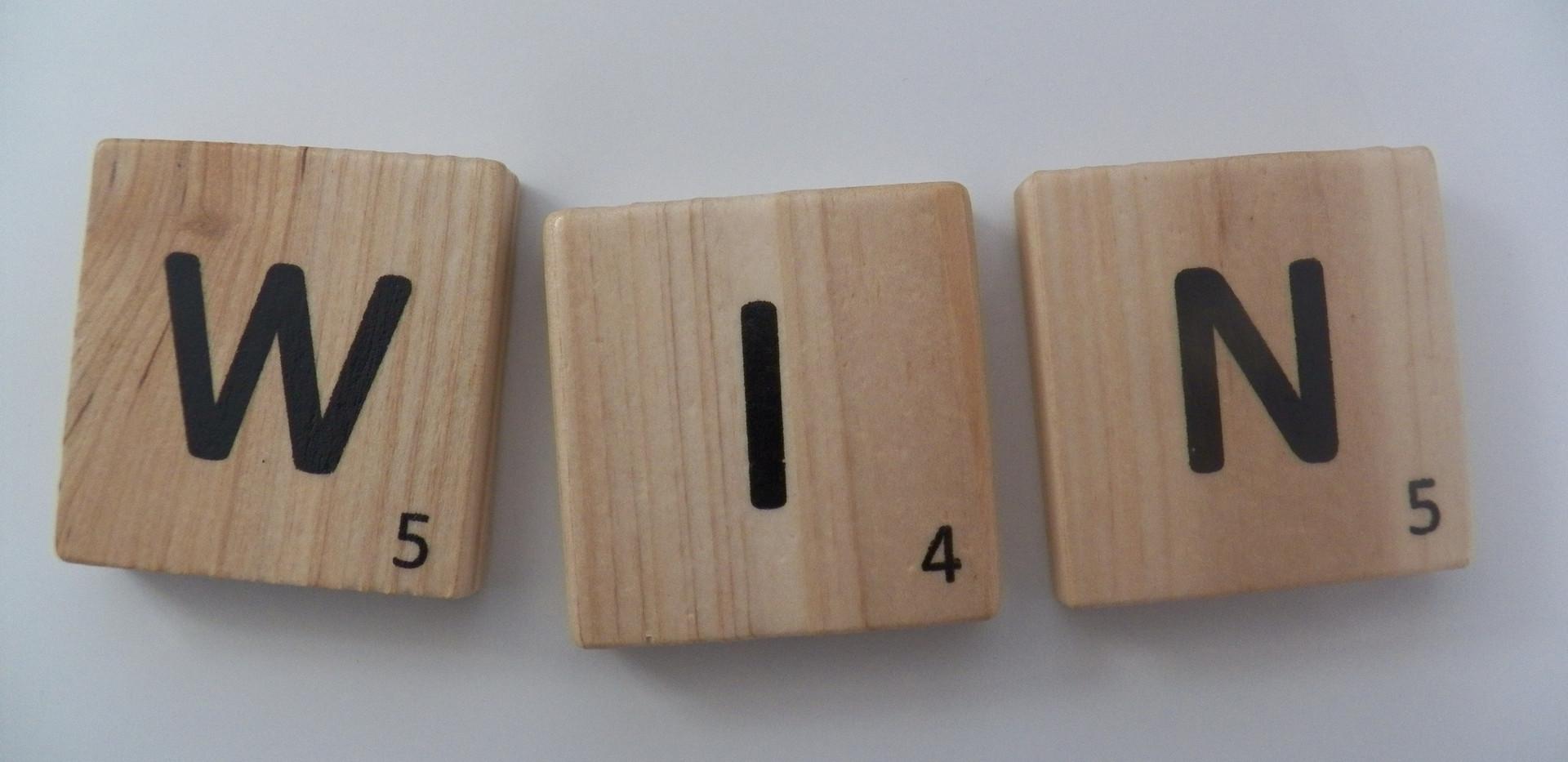 win-letters-word-text-scrabble-372770.jp